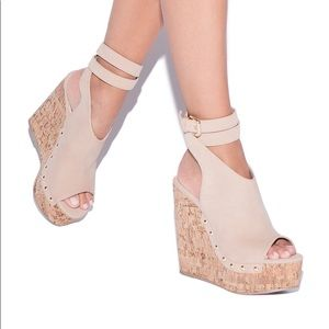 NWT Nude ShoeDazzle Ankle Wrap Wedges Size 7